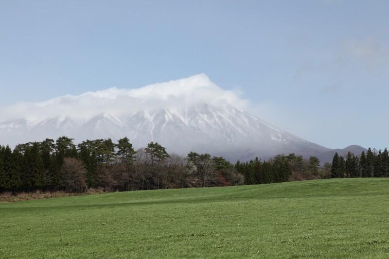 Mount Iwate as seen from Shizukuishi, Iwate