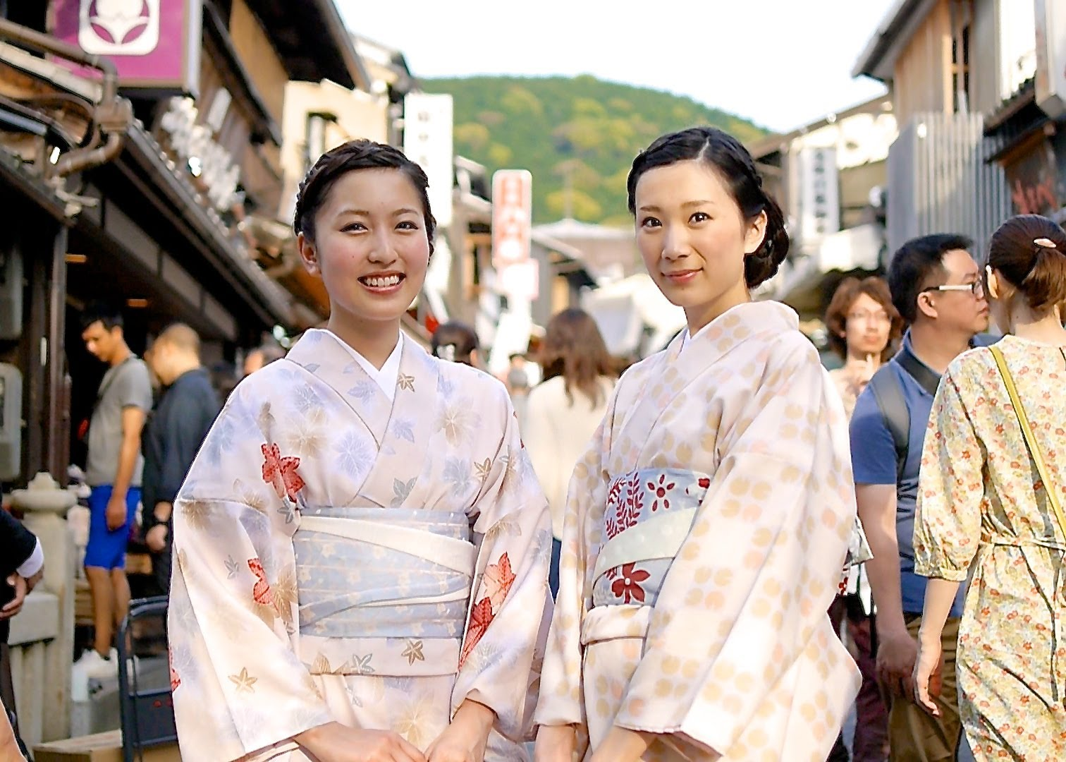 Moments in Kyoto – Tourism | Endless Stream of Travelers