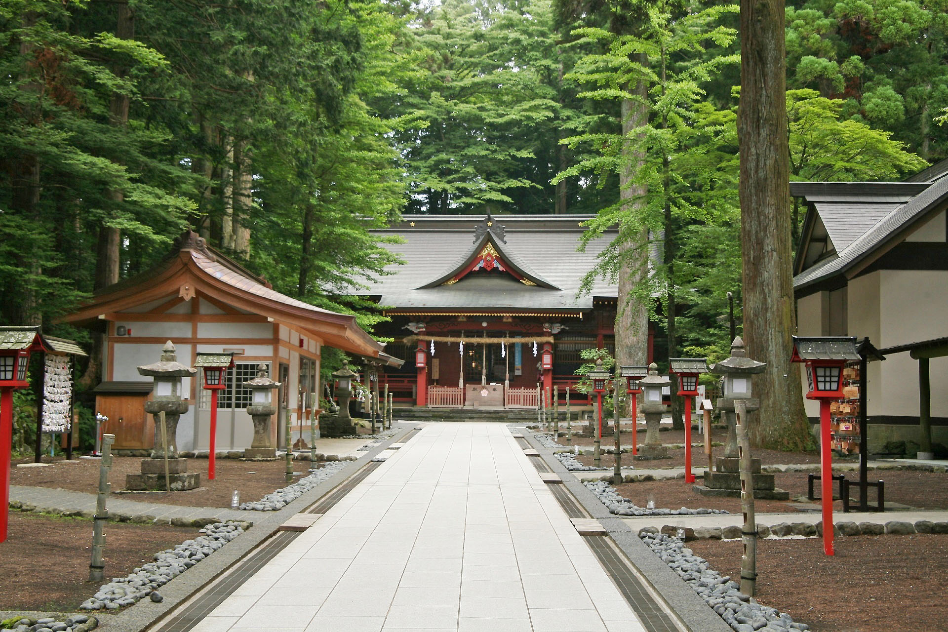 Tag: Japanese Shrines